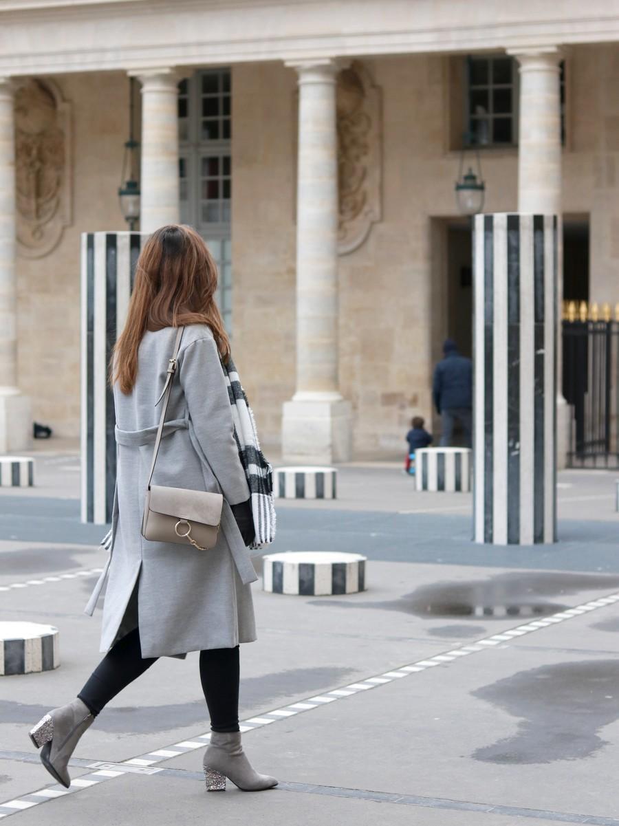 Manteau gris long et bottines